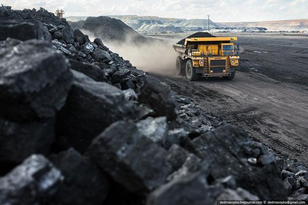 Шивээ-Овоогийн нүүрсний ордыг түшиглэн байгуулах эрчим хүчний цогцолборыг нүүрсээр хангахыг үүрэг болголоо