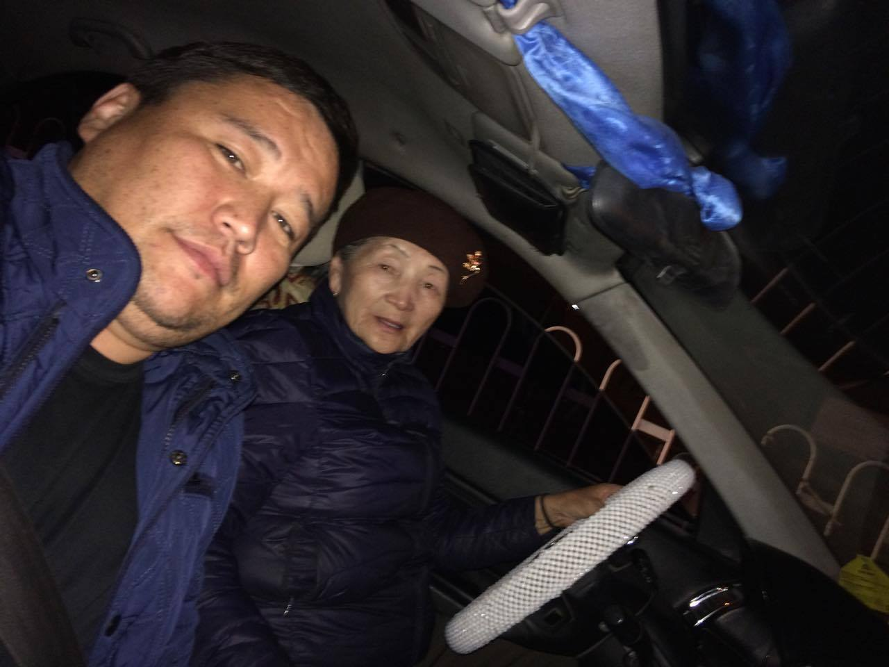 Монголын хамгийн өндөр настай, хамгийн олон жил ЖОЛОО мушгисан эмээ