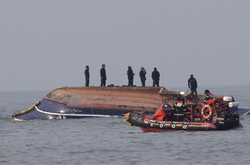 Өмнөд Солонгост загас агнуурын онгоцны ослоор 13 хүн амь насаа алджээ
