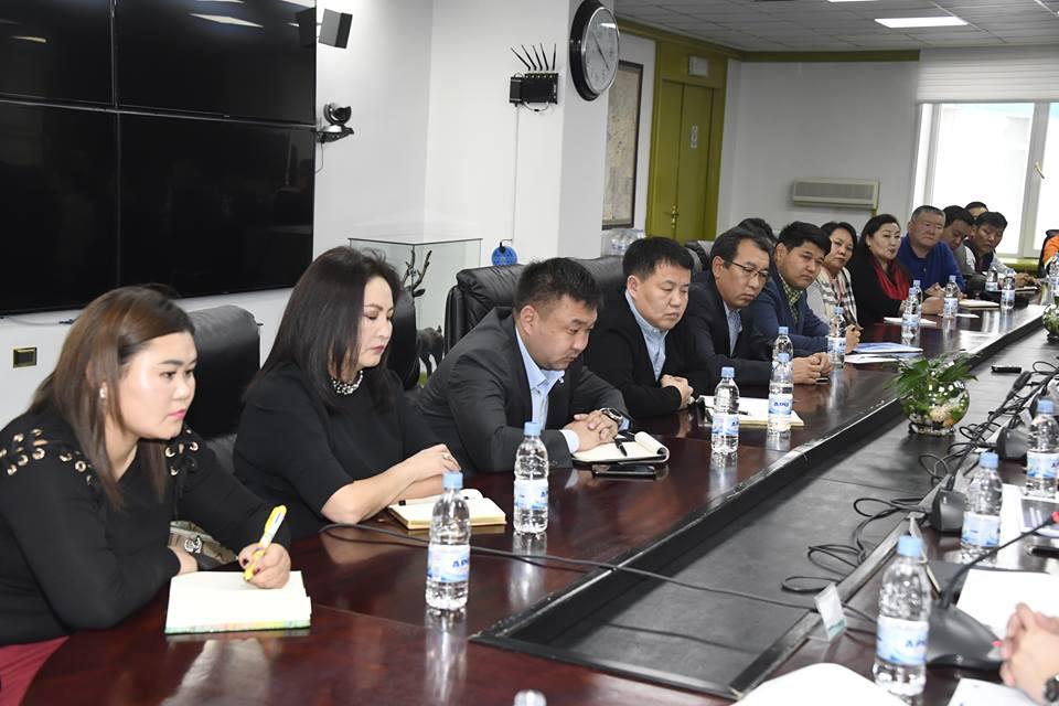 Эрдэнэт үйлдвэр, орон нутгийн үйлдвэрлэгчдийн уулзалт боллоо